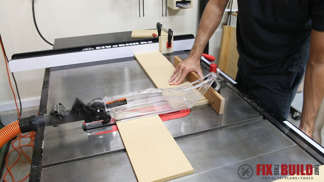 ripping downdraft sanding table sides on tablesaw