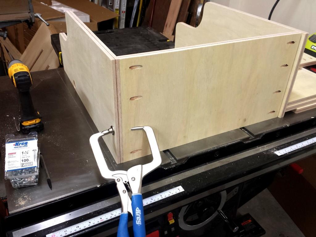 Bottom shelf assembly