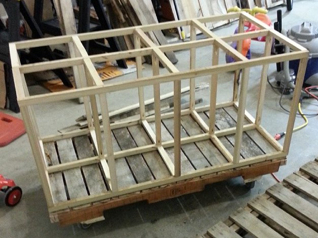 Cubby grid on base