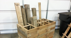 DIY Mobile Pallet Wood Storage Cart