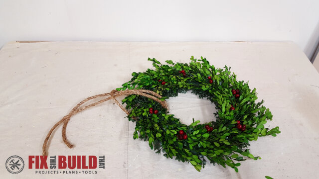 DIY Wreath Hanging Rail - 19