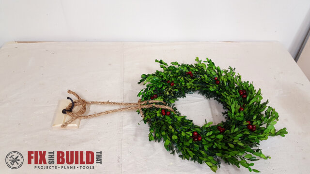 DIY Wreath Hanging Rail - 21
