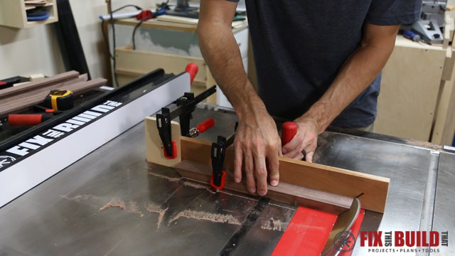 cutting miters on tablesaw