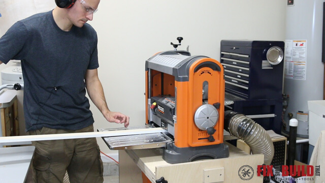 lift the wood boards to reduce planer snipe