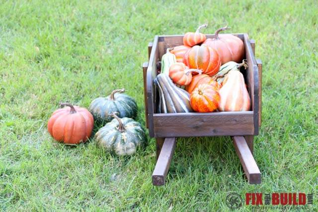 How to make a rustic wheelbarrow