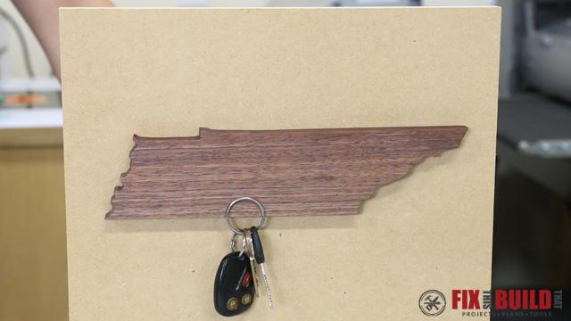 DIY Magnetic Keyholder