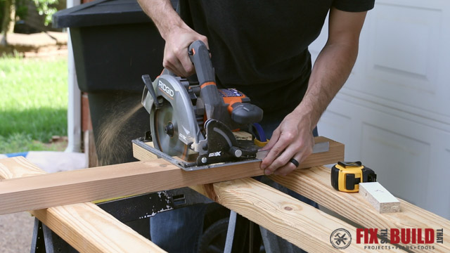 using carpenter square to make 90 degree cut