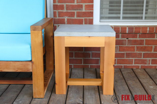DIY Outdoor Concrete Side Table