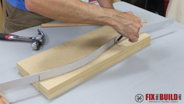 DIY Curved Cutting Board Bent Lamination-8