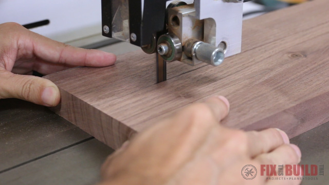 cutting tapers on legs on the bandsaw