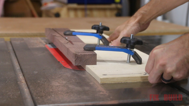 using a taper cutting jig for the tablesaw