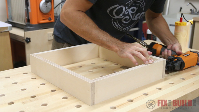 how to make a drawer box with brad nails and dowels
