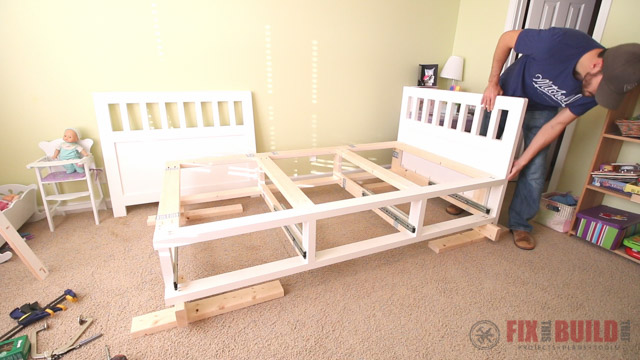 how to build a diy daybed