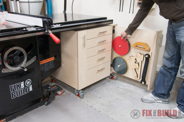 Attirant Table Saw Cabinet DIY Storage