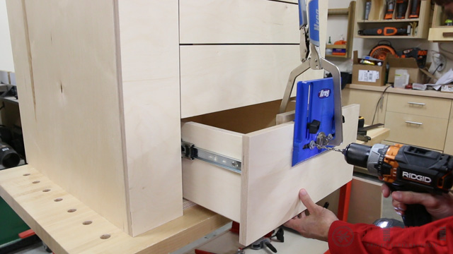 how to use the Kreg cabinet hardware jig