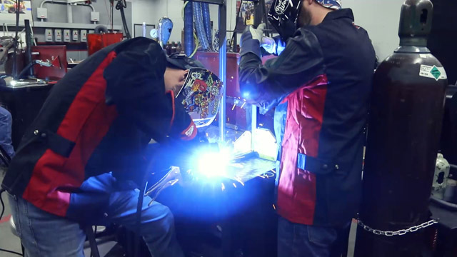 welding with a lincoln 210mp