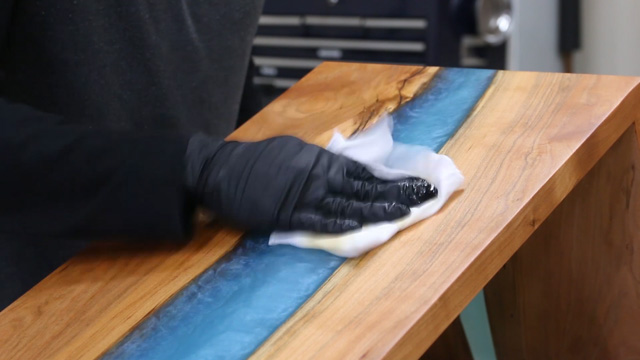 applying rubio monocoat to epoxy resin river table