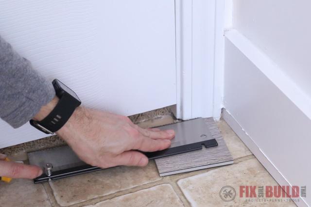 undercutting door jamb for flooring