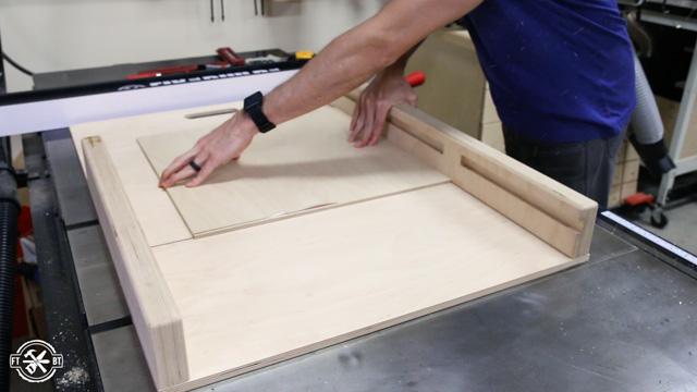 adjusting table saw sled