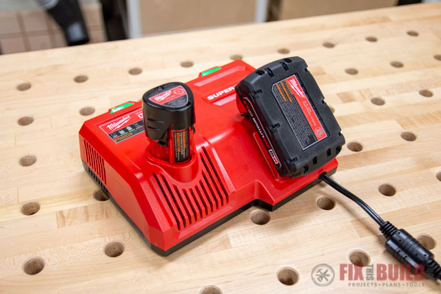 Milwaukee 12-Volt 18-Volt Battery Charger