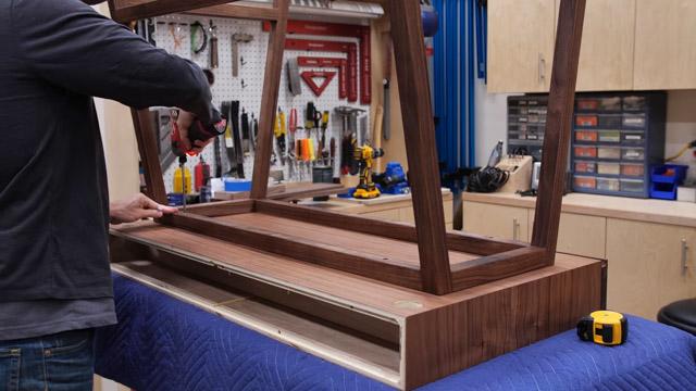 Attaching legs to DIY Desk