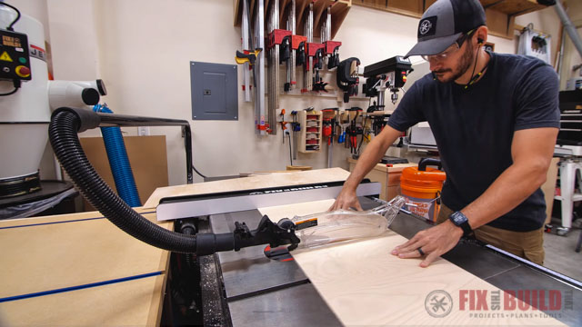 cut dividers on table saw