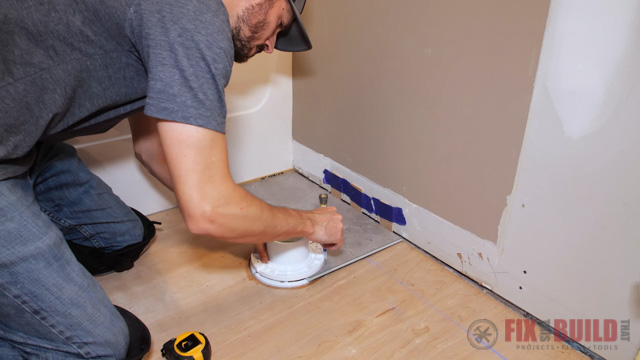 drawing curved line on vinyl plank flooring