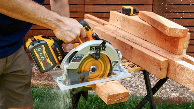 cutting 2x4s with circular saw