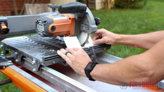 cutting tile with tile saw